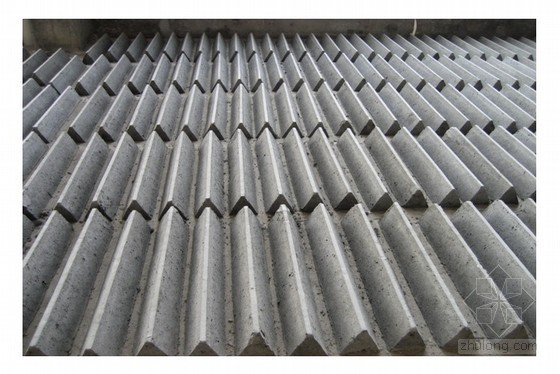 厂房、仓库大面积混凝土地坪侧模支模施工工法(预制混凝土块)