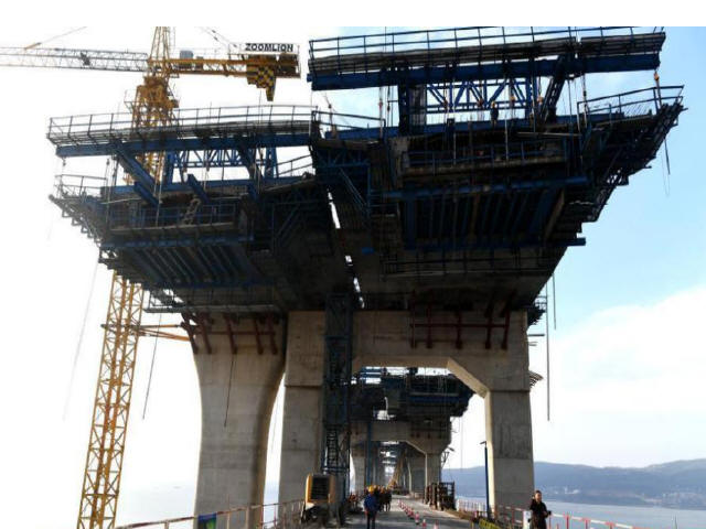 中国首座跨海峡公铁两用大桥完成桩基施工_4