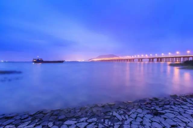 """大桥建成通车仅4个月就被风吹垮?!""""工程界的珍珠港""""惨痛教训"""