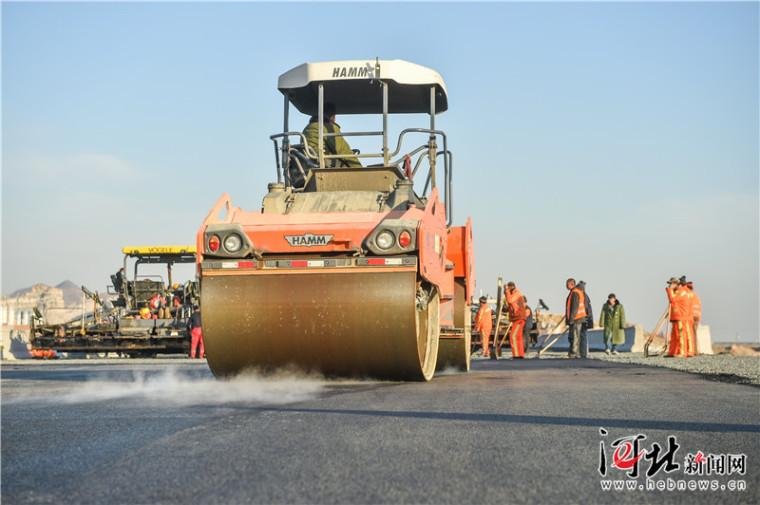 京秦高速京冀、冀津接线段施工进入收尾期(组图)