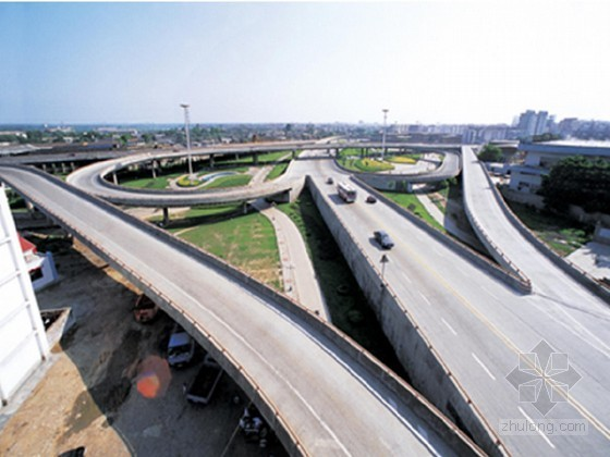 双车道双幅现浇预应力连续箱梁桥上跨高速公路施工安全方案