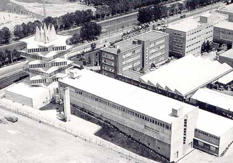 经典建筑:霍尔瓦实验大楼宝塔_3