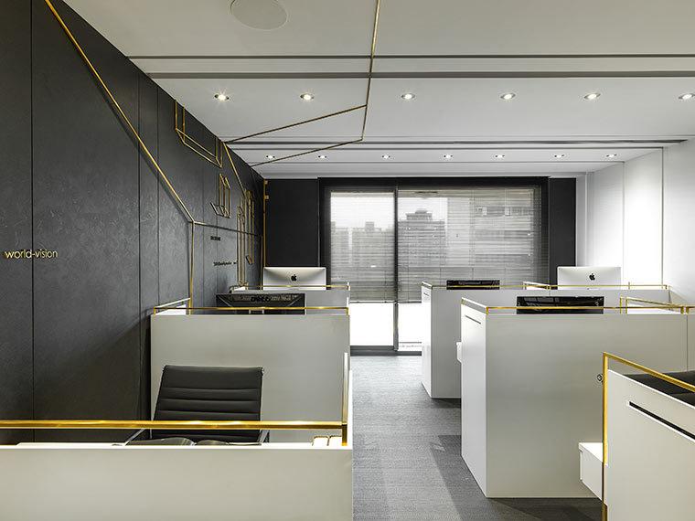 运用LED光箱组成的办公室室内实景图 (5)