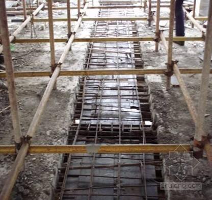 后浇带模板支设新技术施工工法