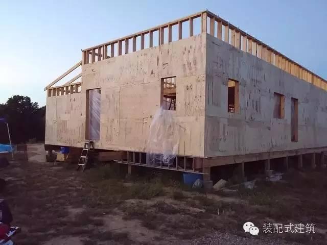 美国农村建房全程实拍——装配式木结构施工,速度快、性能好!_19