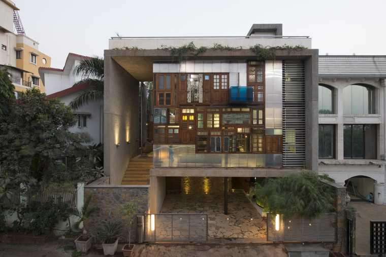 印度废弃构件的COLLAGE住宅