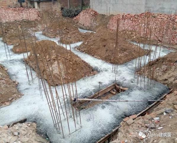 农村自建房基础施工,这么做又稳又安全!