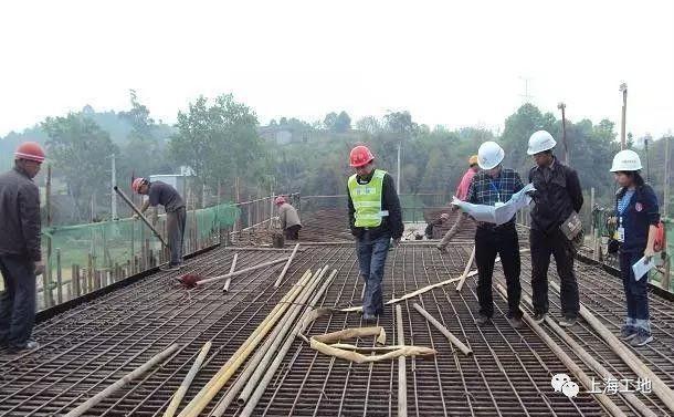 带转换层的框剪结构资料下载-[最实用]为啥人家工地钢筋验收都是一次过?