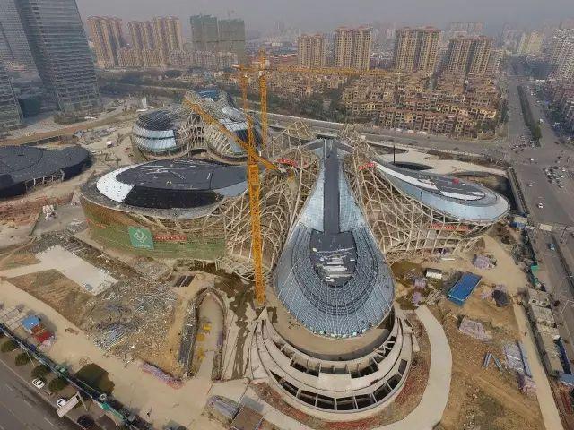 扎哈在中国的遗作终于完成,耗资28亿,施工难度堪比鸟巢_31