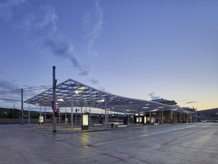 埃斯林根汽车站周围景观实景图 (7)