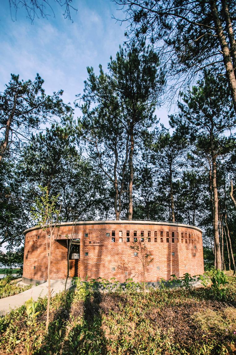 湖北澴河环厕建筑-5