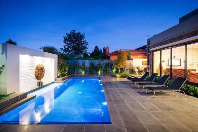 赶紧收藏!21个最美现代风格庭院设计案例_93