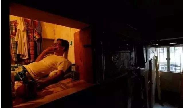 """没见过香港的""""棺材房""""你都不知道住得多幸福_15"""