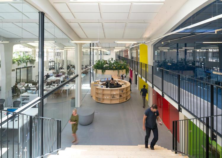建筑师给自己设计的办公室,什么样的都有_7