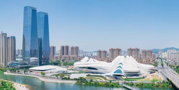 扎哈在中国的遗作终于完成,耗资28亿,施工难度堪比鸟巢_3