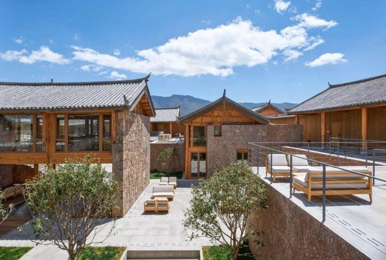 玉龙雪山下的当代纳西建筑 | 青普丽江白沙文化行馆