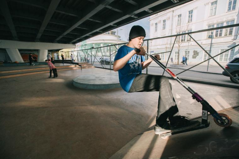克雷姆斯基大桥的滑板公园-6