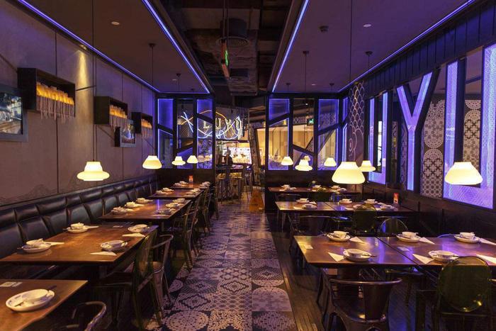 津鱼烤鱼店墙绘设计,从视觉上提高顾客就餐体验