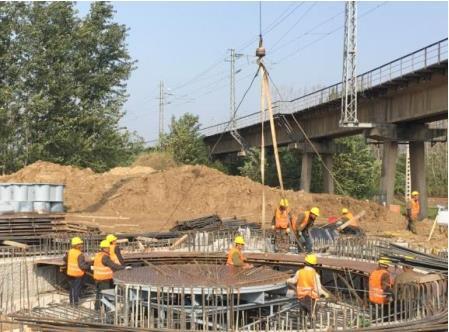 特大桥连续梁转体施工工艺图片汇编(15页)