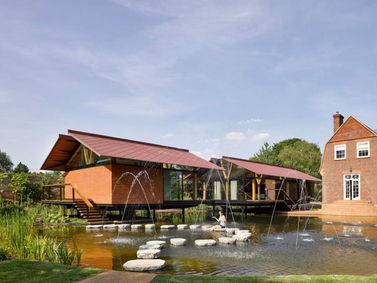 英国湖畔的Steppingstones住宅