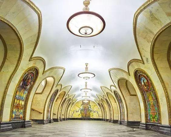 世界最美地铁景观,美到让你不想回家_21