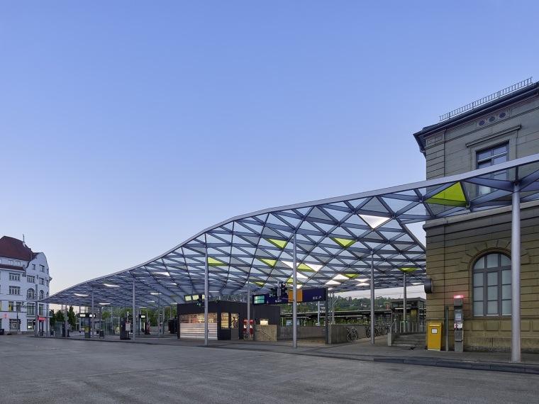 埃斯林根汽车站周围景观实景图 (6)