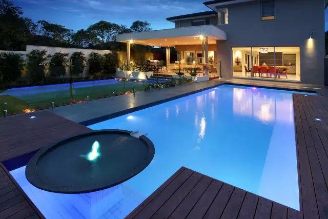 赶紧收藏!21个最美现代风格庭院设计案例_65