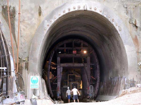 公路施工总承包资质承揽隧道工程 需要增项相应的资质吗?