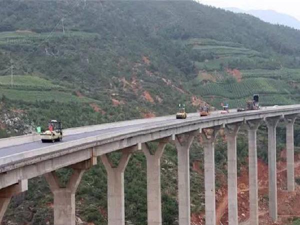 先簡支后結構連續橋梁施工技術解讀