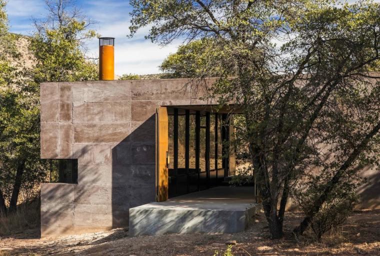 美国土块为墙体的住宅