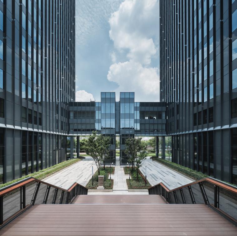 上海浦东前滩世贸建筑-7