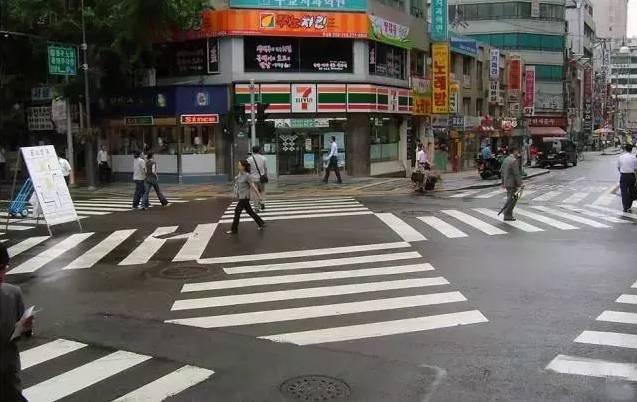 揭秘 | 城市道路交叉口怎么设计才合理?原来他们都是这么做的!