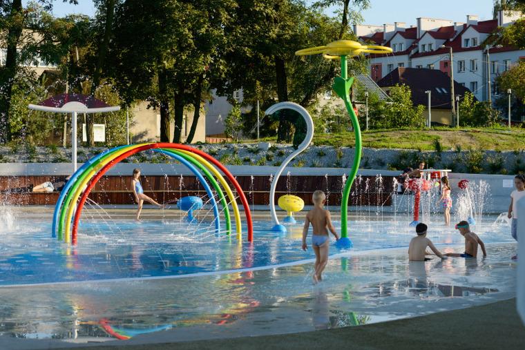 波兰亚沃日诺绿色滨水游乐场-16