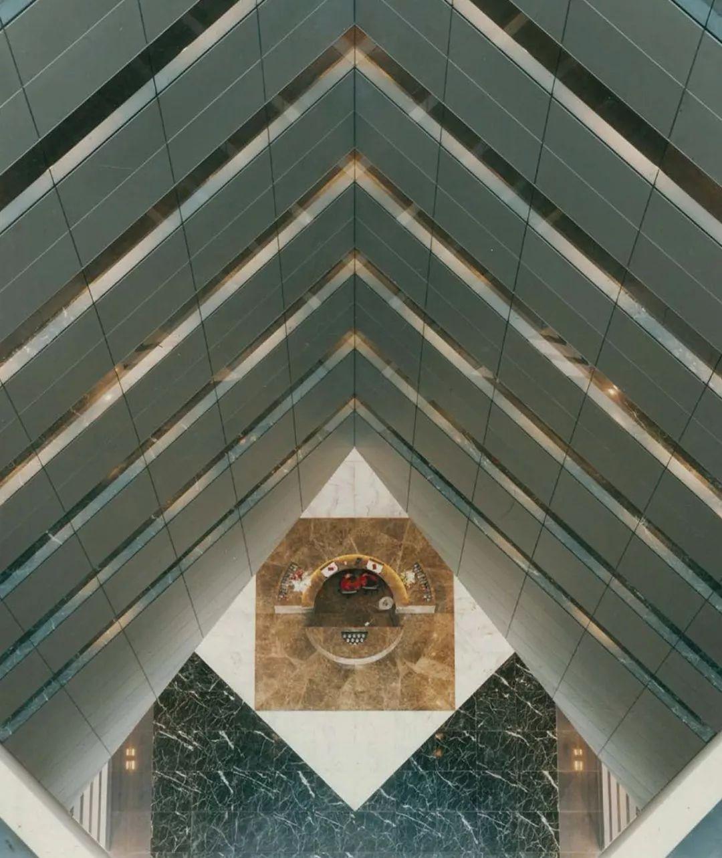 致敬贝聿铭:世界上最会用「三角形」的建筑大师_57