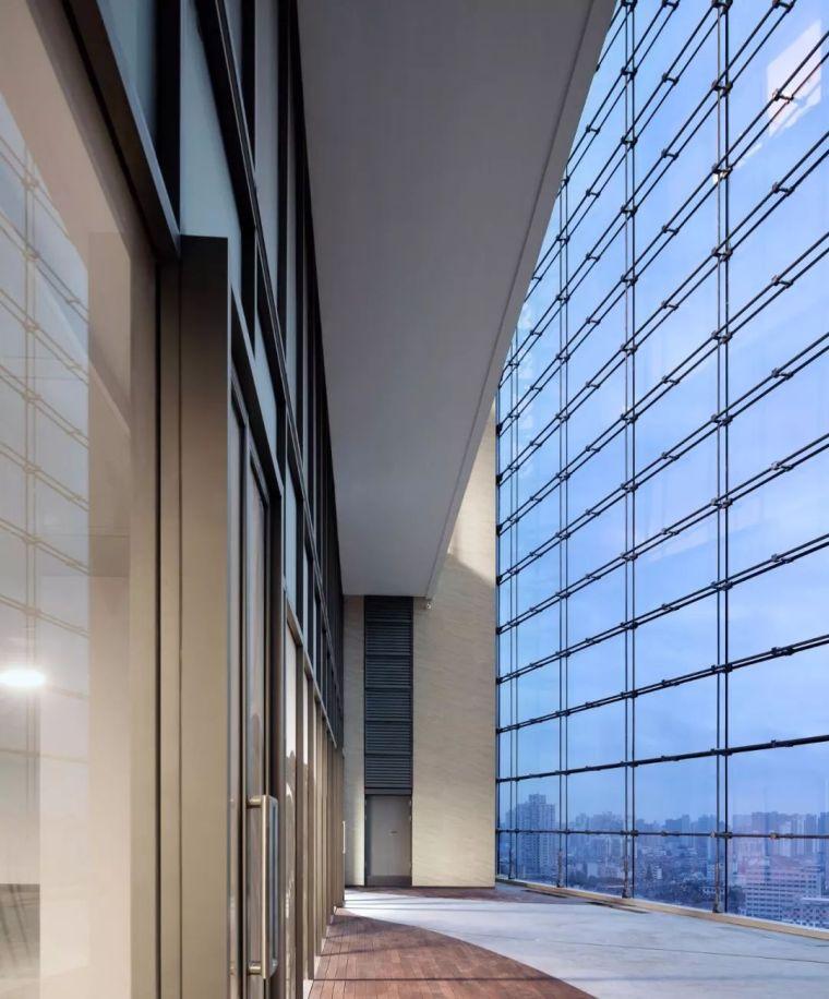 建筑师以集装箱为灵感,在魔都设计出一栋谦逊的办公楼_10