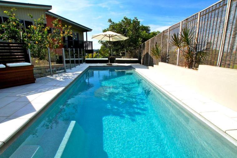 泳池建造--建一泳池所需费用是多少?
