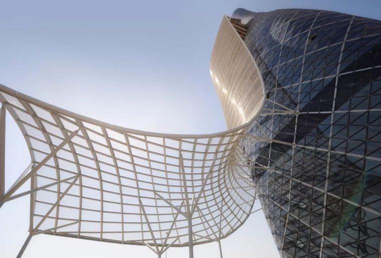 首都门厅――世界上倾斜度最大的塔楼_6