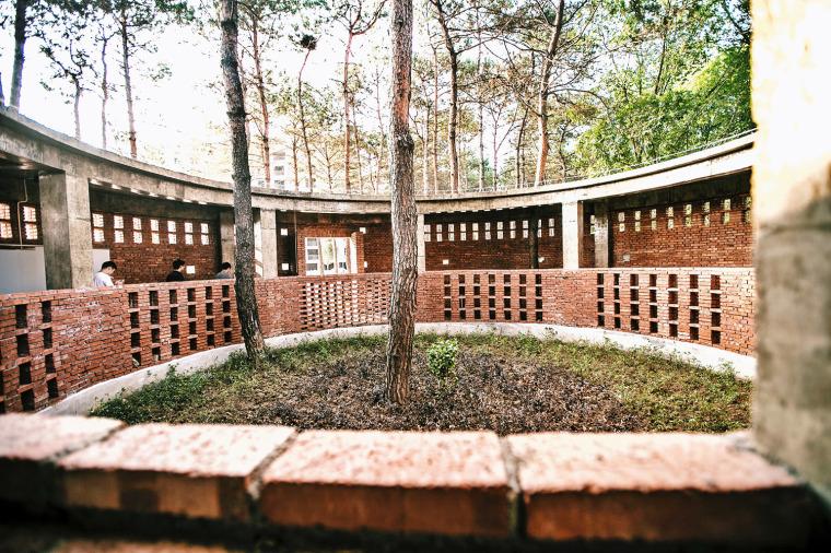 湖北澴河环厕建筑-6