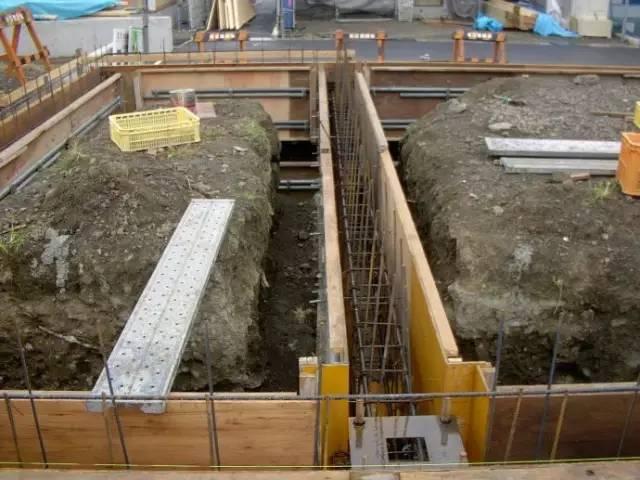 钢结构施工中的预埋螺栓技术_1