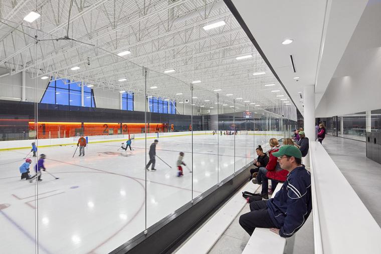 加拿大Calgary大型体育娱乐中心-11