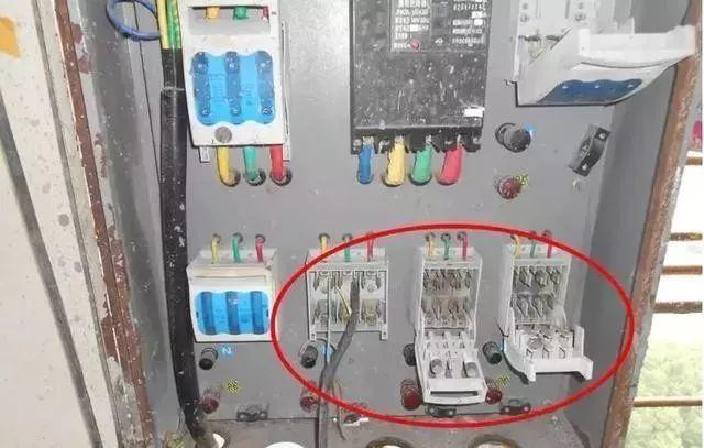 建筑施工现场临时用电安全隐患,全都是错误做法!_9