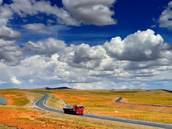 """世界首条高海拔高寒多年冻土区高速公路""""共和高速公路""""通车_2"""