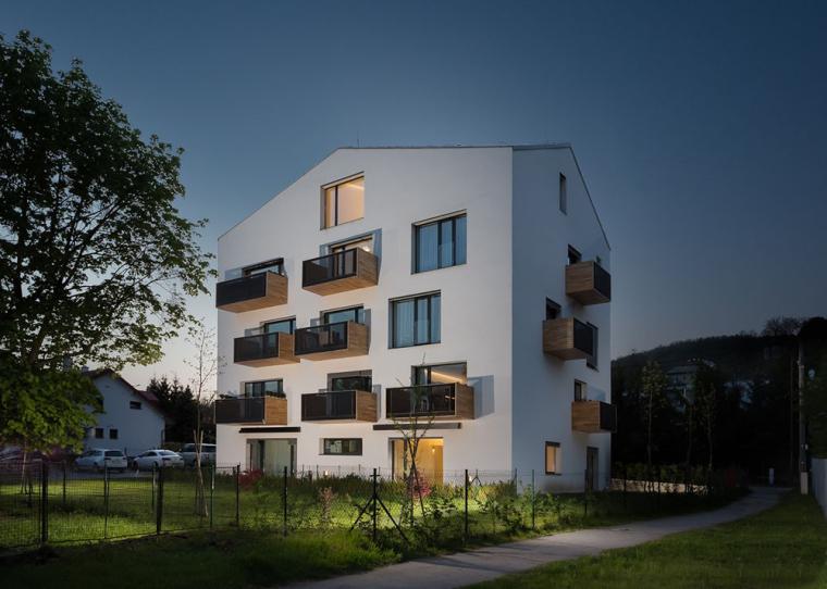 斯洛伐克Atrium工作室改造独栋家庭住房