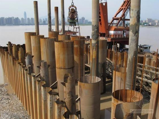 [辽宁]铁路特大桥水中墩身基坑钢板桩支护施工方案