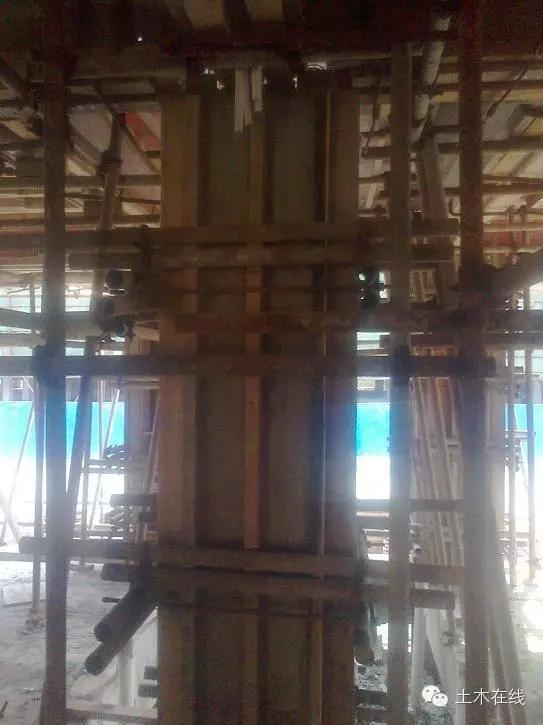 一栋房子是怎样从基础到封顶做起来的-4.webp