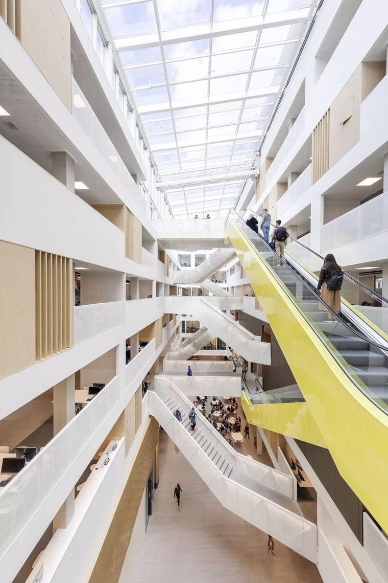 拥有一个霸道中庭的荷兰UTRECHT应用科学大学教学楼/SHL_13