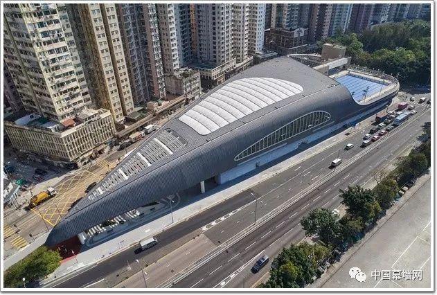 [工程]坚尼地游泳馆,玻璃幕墙+PTFE薄膜打造香港标志