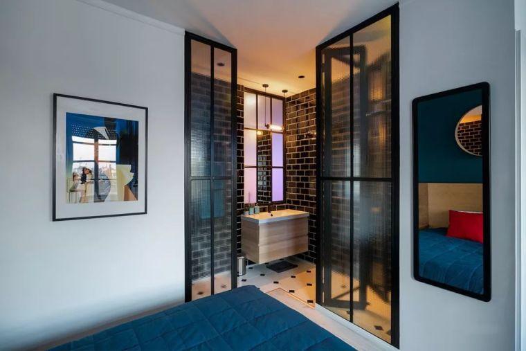 深色系墙面设计,让你家的颜值翻一倍_19