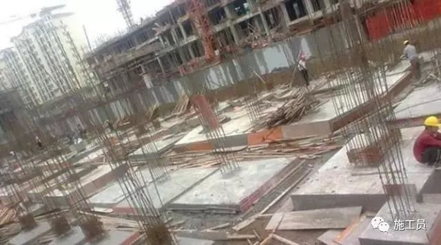 混凝土最快几天可以拆模板,现场怎么判断??