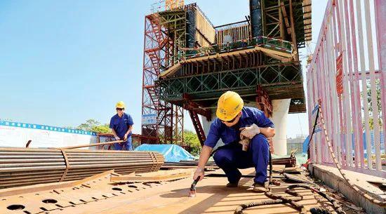 剑潭建国内高铁最宽矮塔斜拉桥
